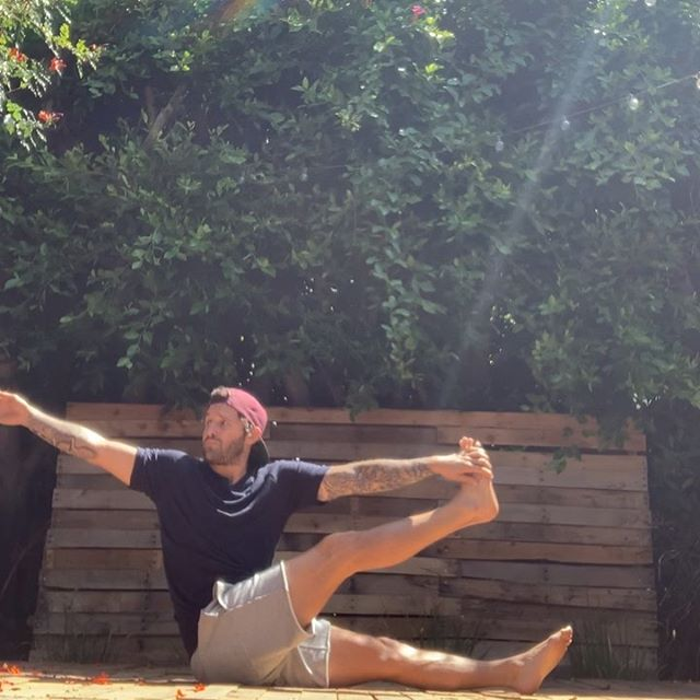 Another old school transition for yourself, used it in class recently - Calvin Corzine Yoga