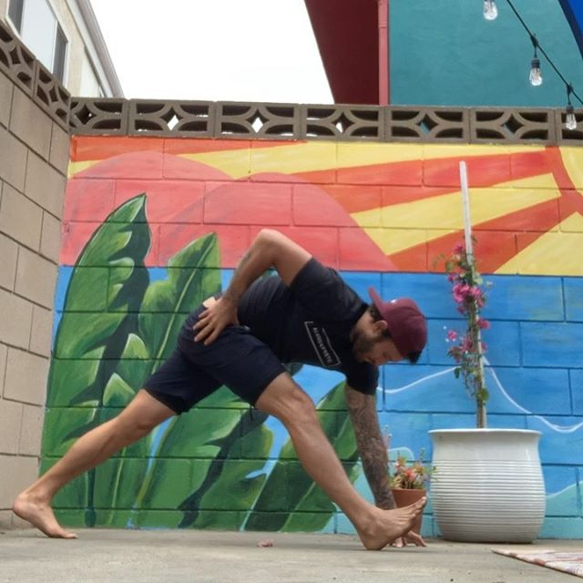 Here's an unconventional lead up to vashistasana B - sign up for my email list for more