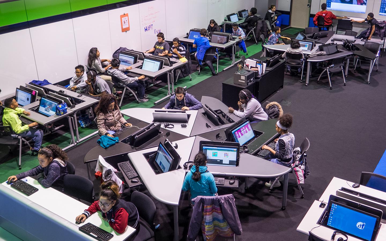 Order High End Ergonomic Technology Desks for your School from SMARTdesks Call 800-770-7042